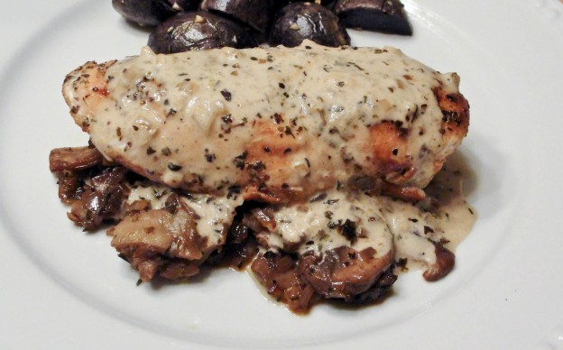 Chicken Breast with Mushrooms and Pan Sauce