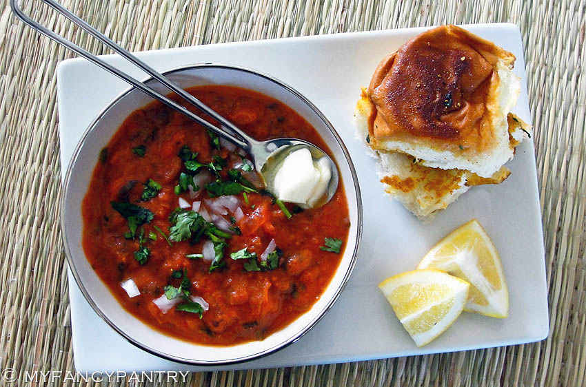 Pav bhaji indian vegetarian chili with spiced buns my fancy pantry indian pav bhaji indian vegetarian chili pav bhaji indian street food forumfinder Image collections