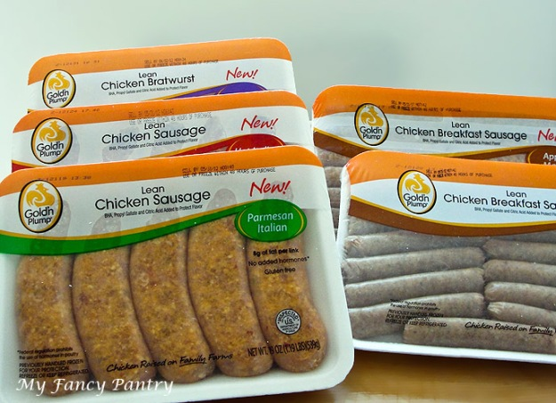 Gold'n Plump's New Chicken Sausage Line: Parmesan Italian, Hot Italian, and Apple Maple Breakfast Sausages.  There was also a package of Chicken Bratwurst.