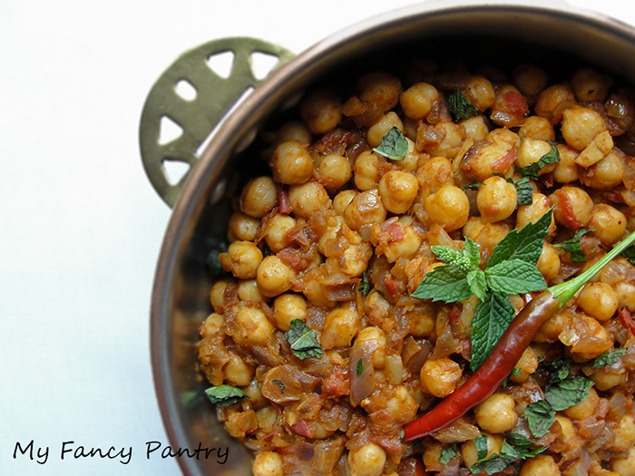 Indian chole masala chickpea curry recipe