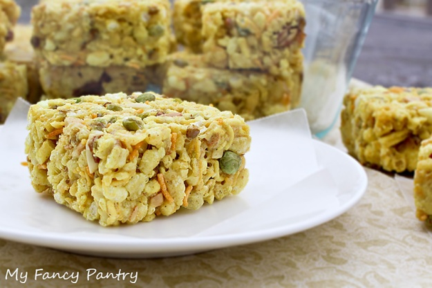 khatta meetha snacks, bhel rice krispie bars, indian rice krispie bars, indian snack bars, indian tiffin ideas, indian snack with tea